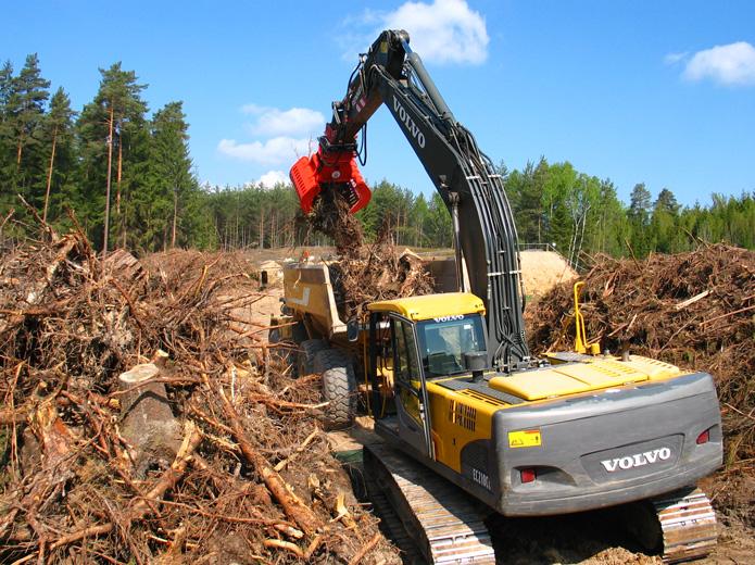 MO 1200 Verladen von Holz Bild 1